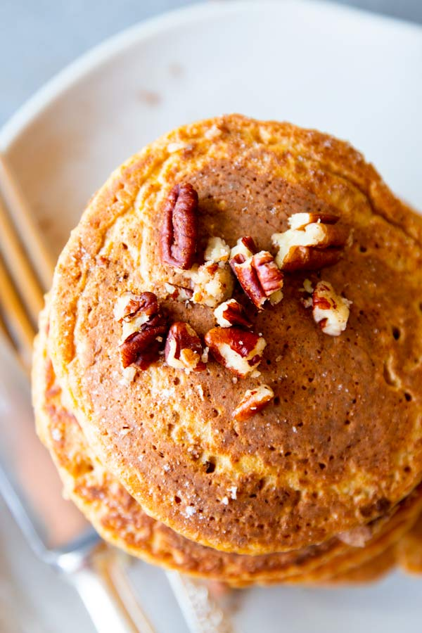 pumpkin oatmeal pancakes from above