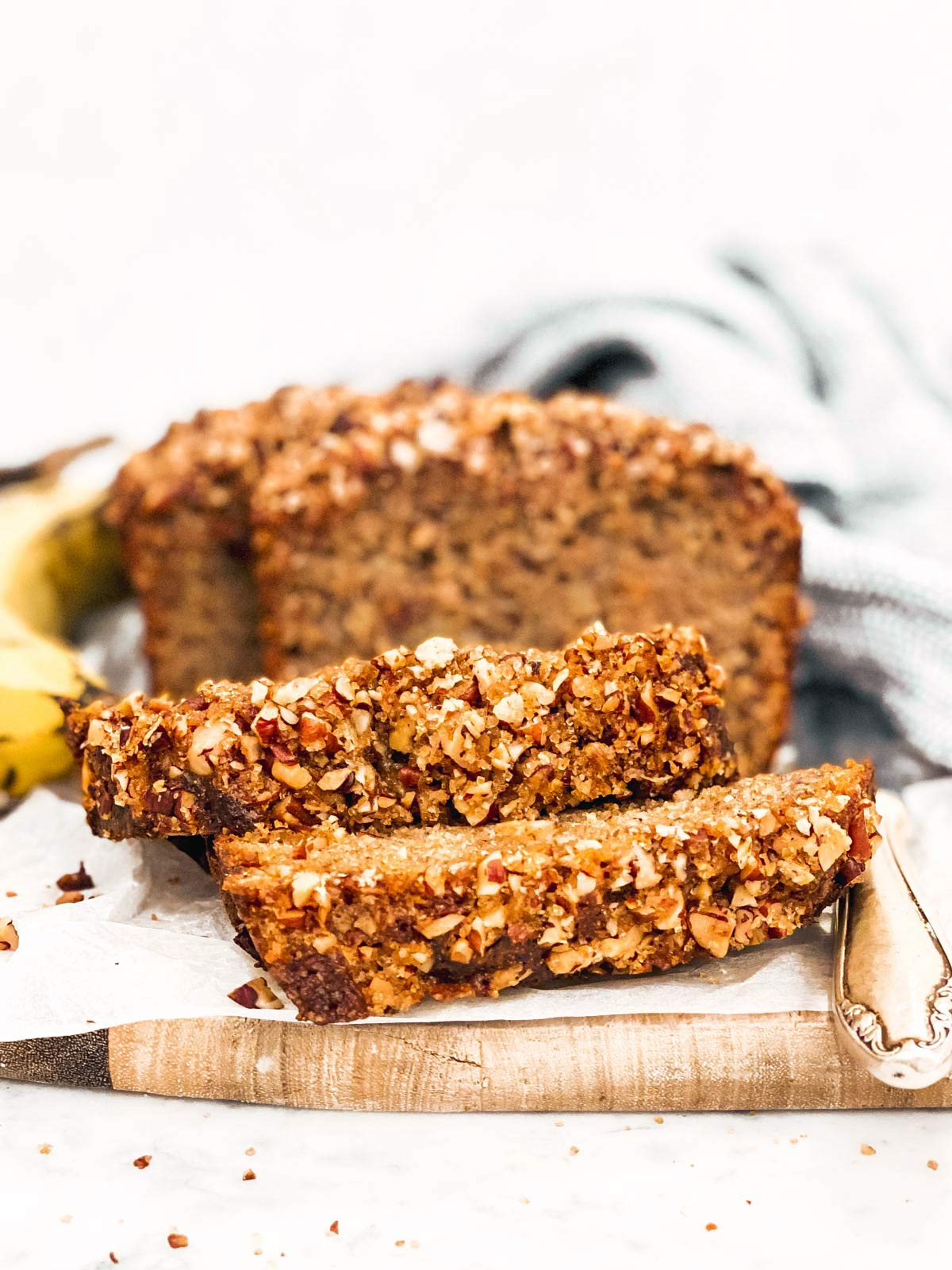 frontal image of sliced banana bread